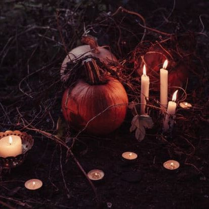 jahreskreisfeste samhain 550x413.jpg