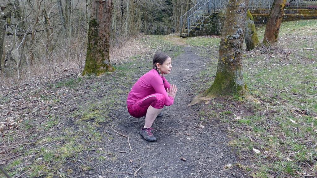 Dehnen Laufen Yoga Tiefe Hocke Waden und Achillessehnen dehnen