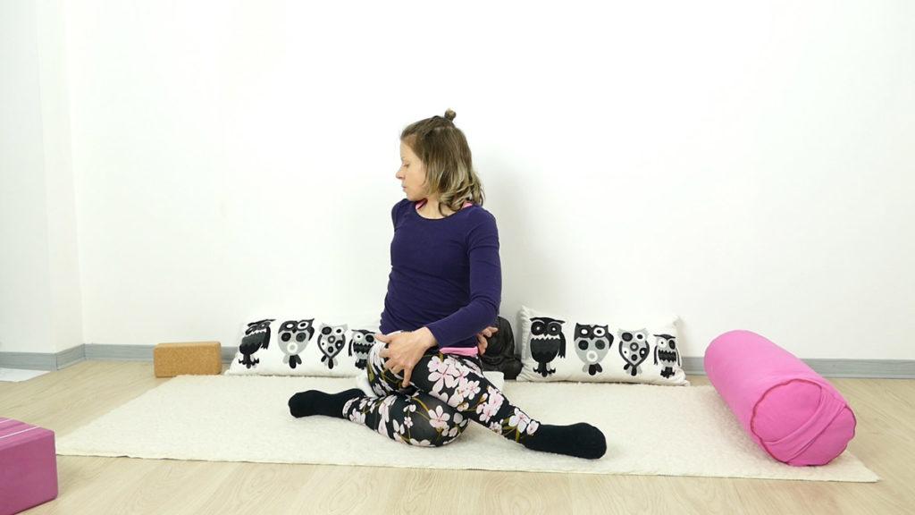Detox Yin Yoga: Shoelace mit Drehung