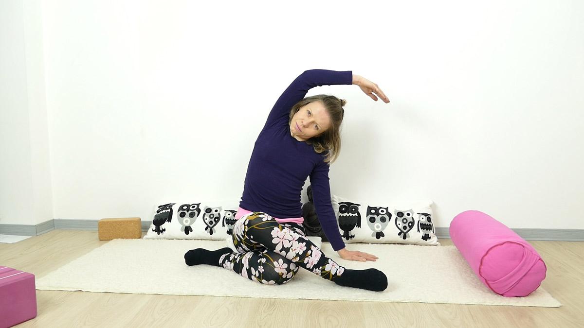 Detox Yin Yoga: Shoelace mit Seitbeuge