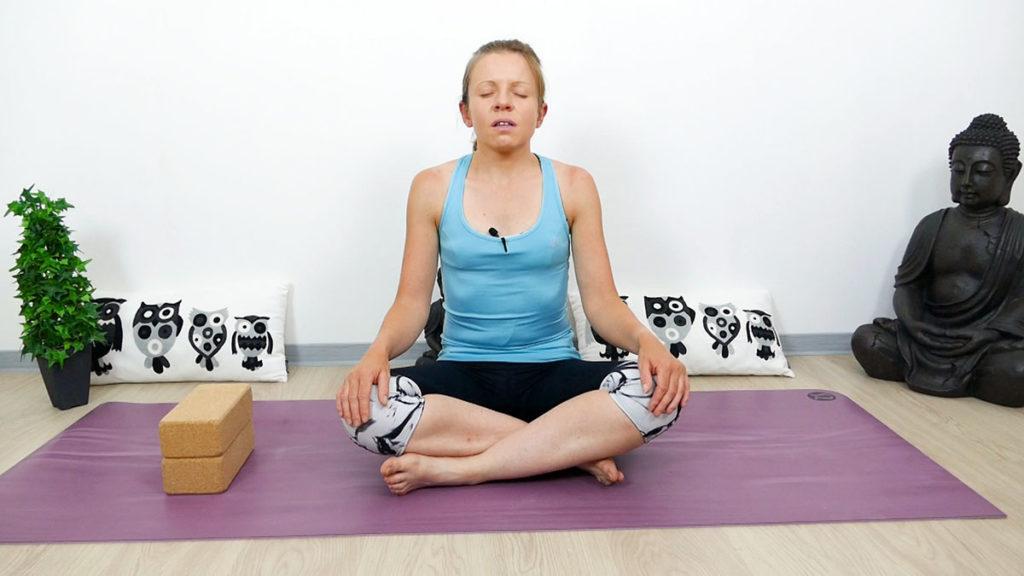 Sitkari Pranayama (Kühlende Atmung)