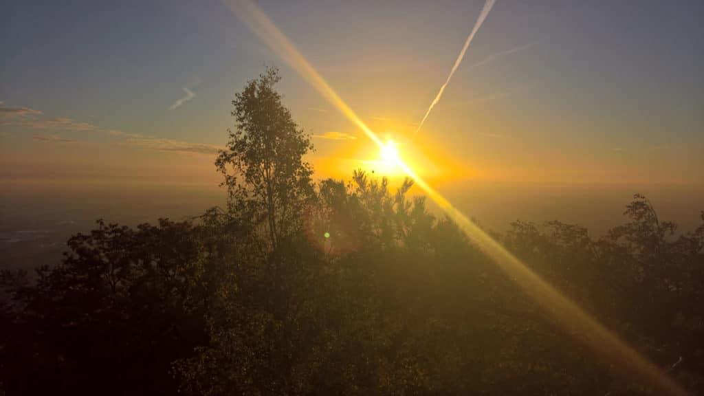 Rauhnächte Neubeginn goldenes Licht