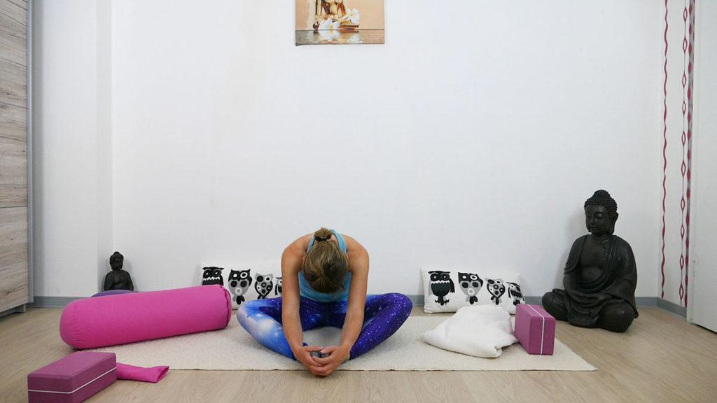 Yin Yoga für besseren Schlaf - Schmetterling
