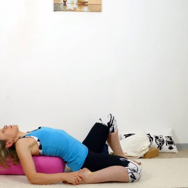 Yin Yoga halber Sattel