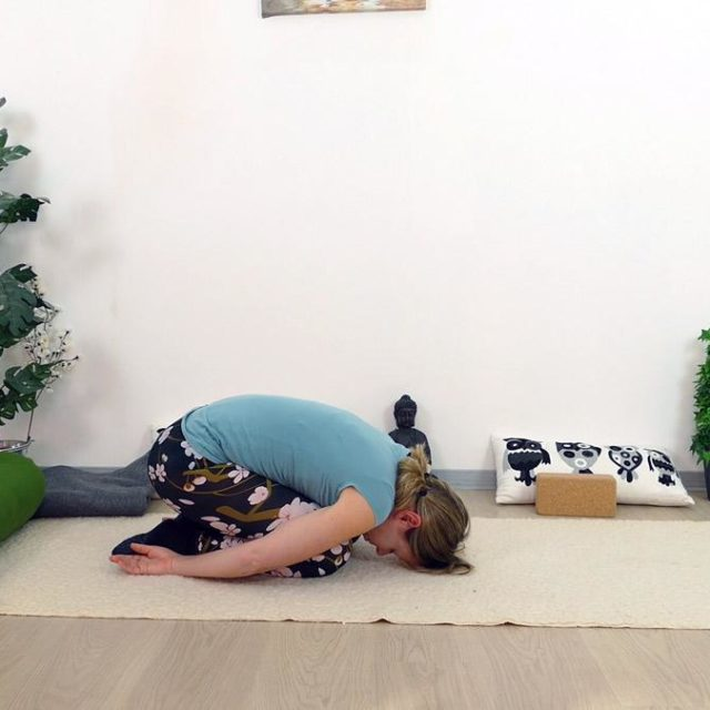 Yin Yoga Holz Child Position
