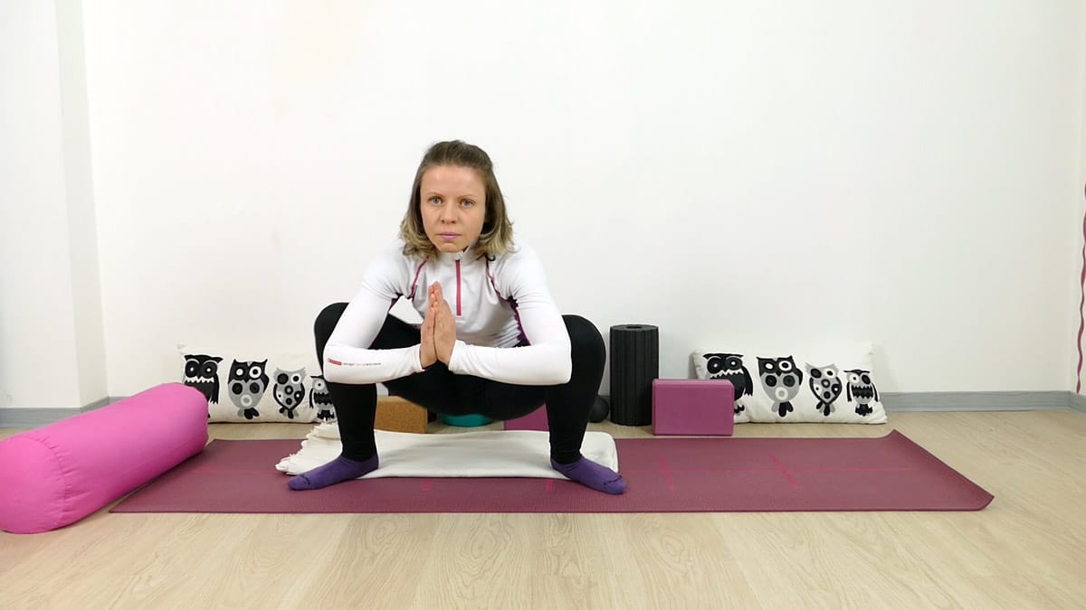 Yin Yoga Squat tiefe Hocke