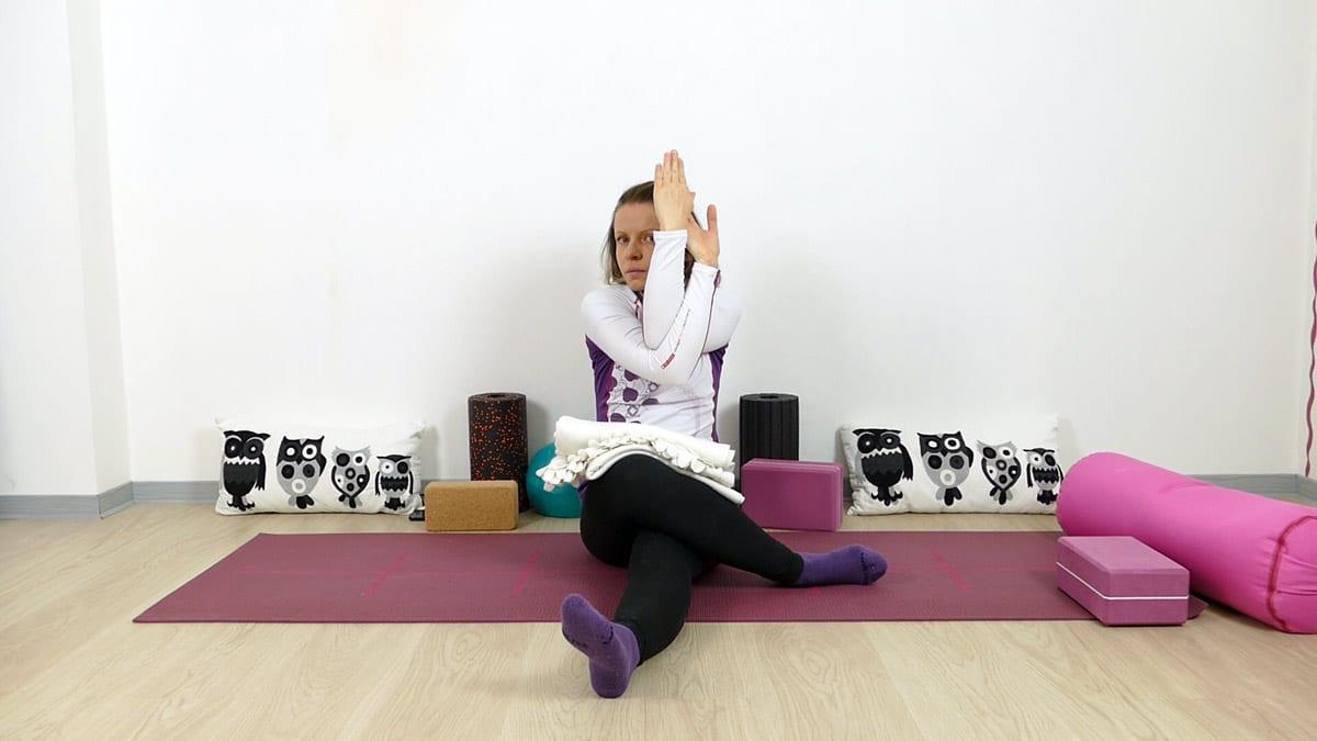 Yin Yoga für Läufer halber Schnürsenkel mit dlerarmen
