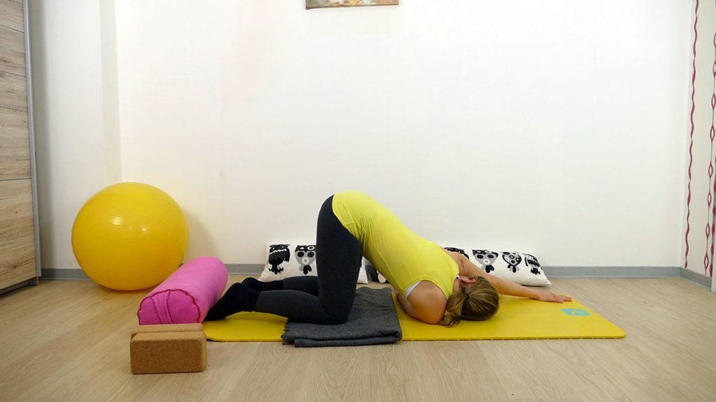 Yin Yoga für das Manipura Chakra: gedrehtes schmelzendes Herz