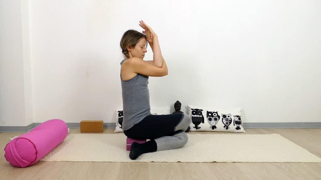 Yin Yoga Schnürsenkel mit Adlerarmen - Lunge & Dickdarm Element Metall