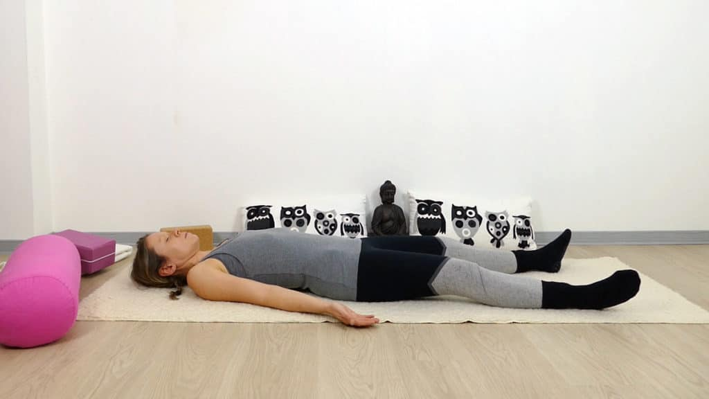Yin Yoga Savasana -  Lunge & Dickdarm Element Metall