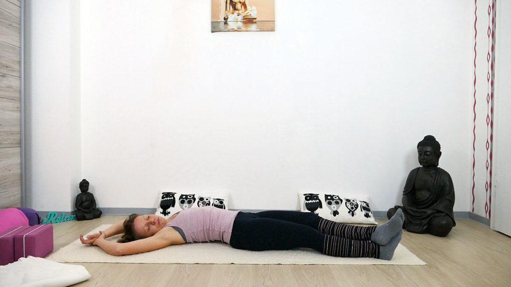 Yin Yoga am Morgen: Liegender Halbmond