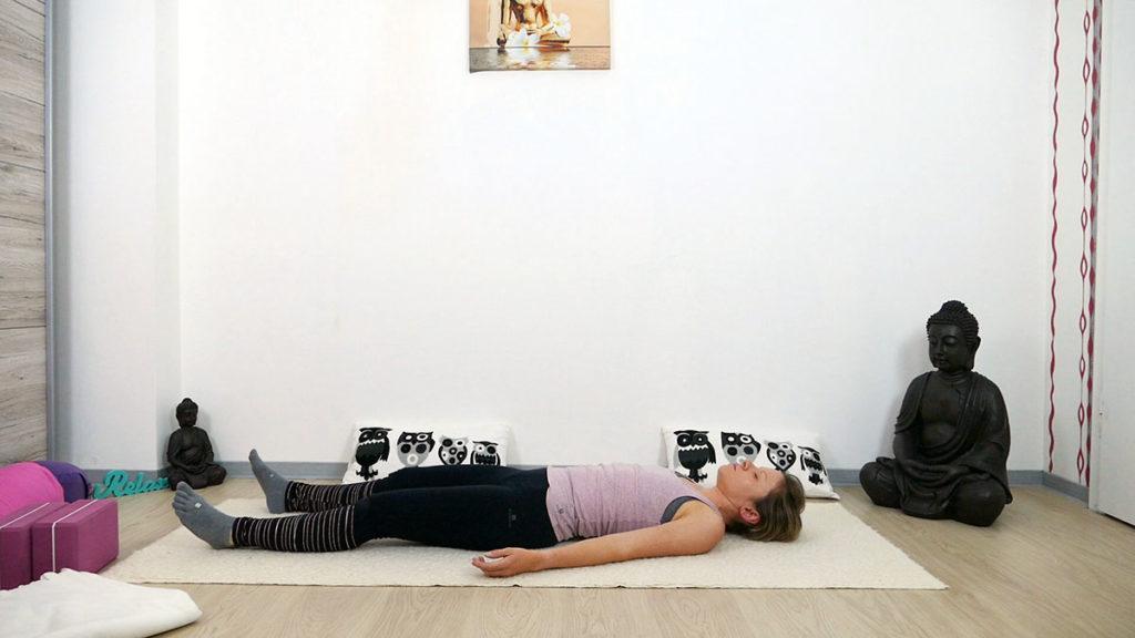 Yin Yoga am Morgen: Savasana