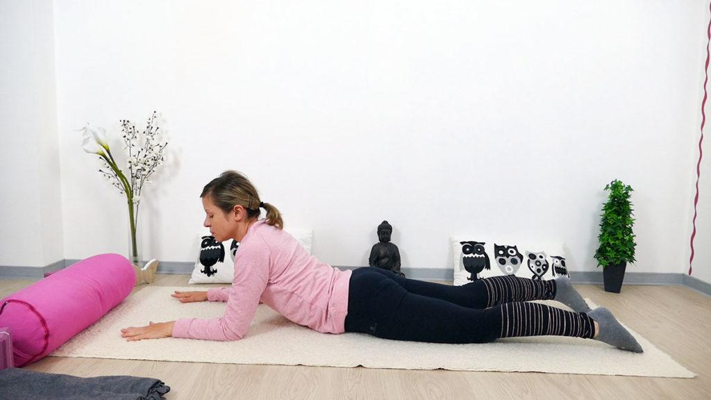 Yin Yoga für Mütter: Sphinx