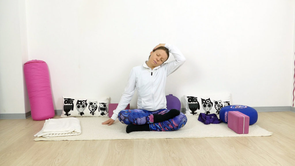 Yin Yoga für Schultern und Nacken - Nackendehnung