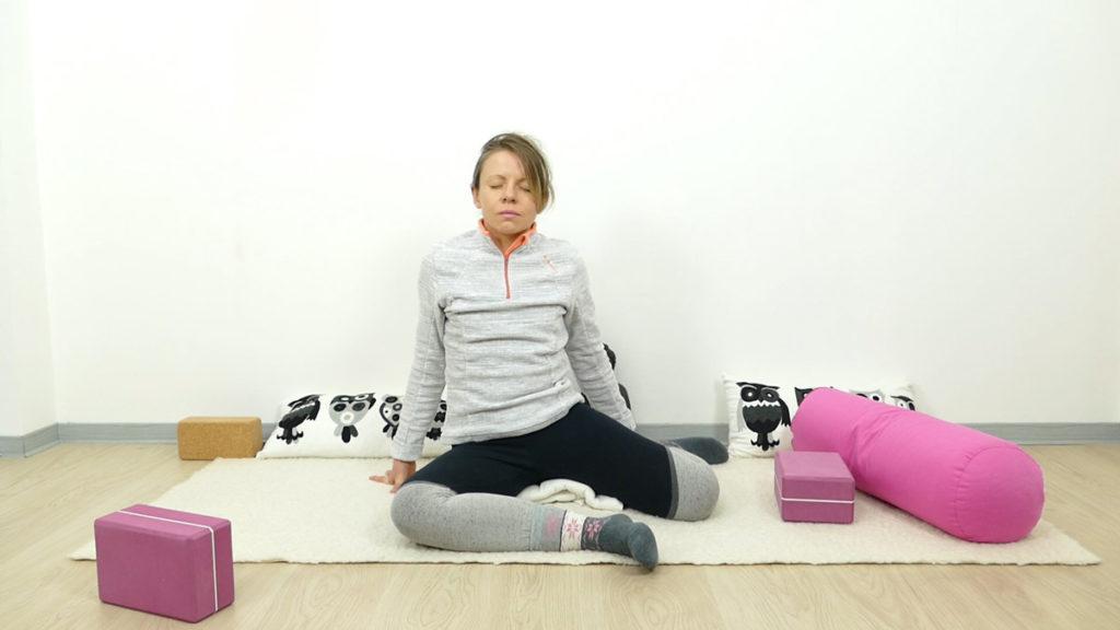 Yin Yoga für Schwangere: Reh