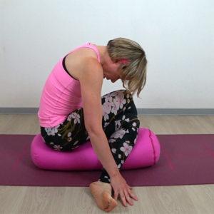 Yin Yoga Shoelace auf Bolster