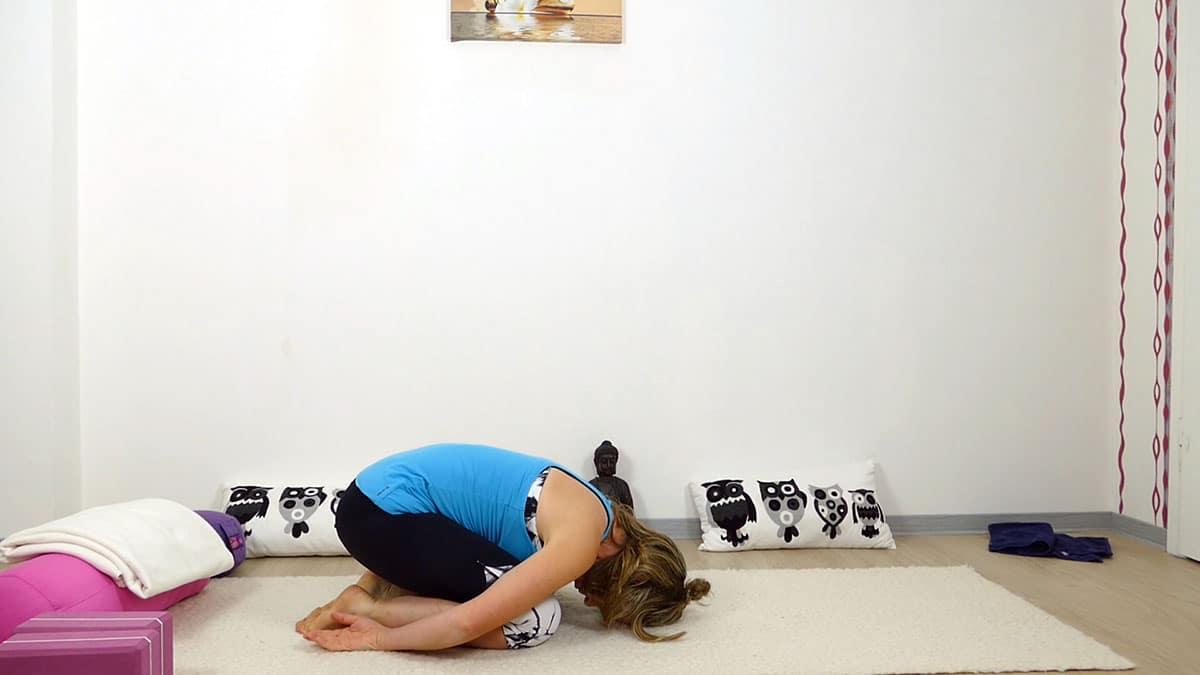Yin Yoga bei Hitze für heiße Sommertage - Child Pose