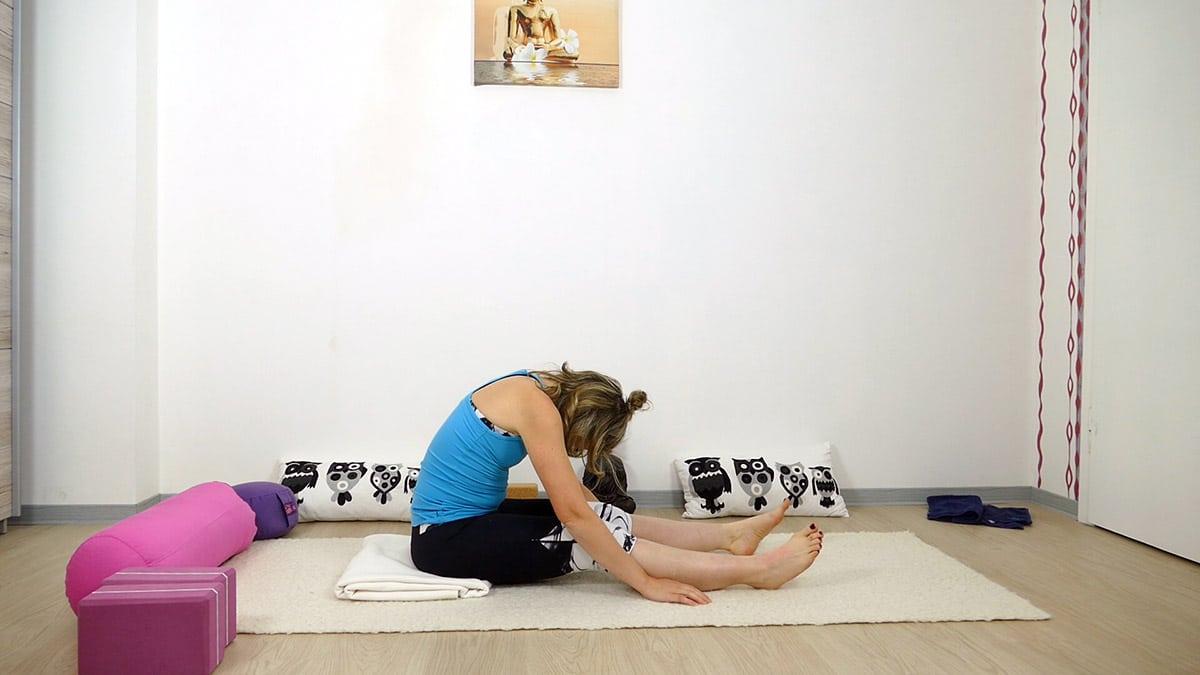 Yin Yoga bei Hitze für heiße Sommertage - Raupe
