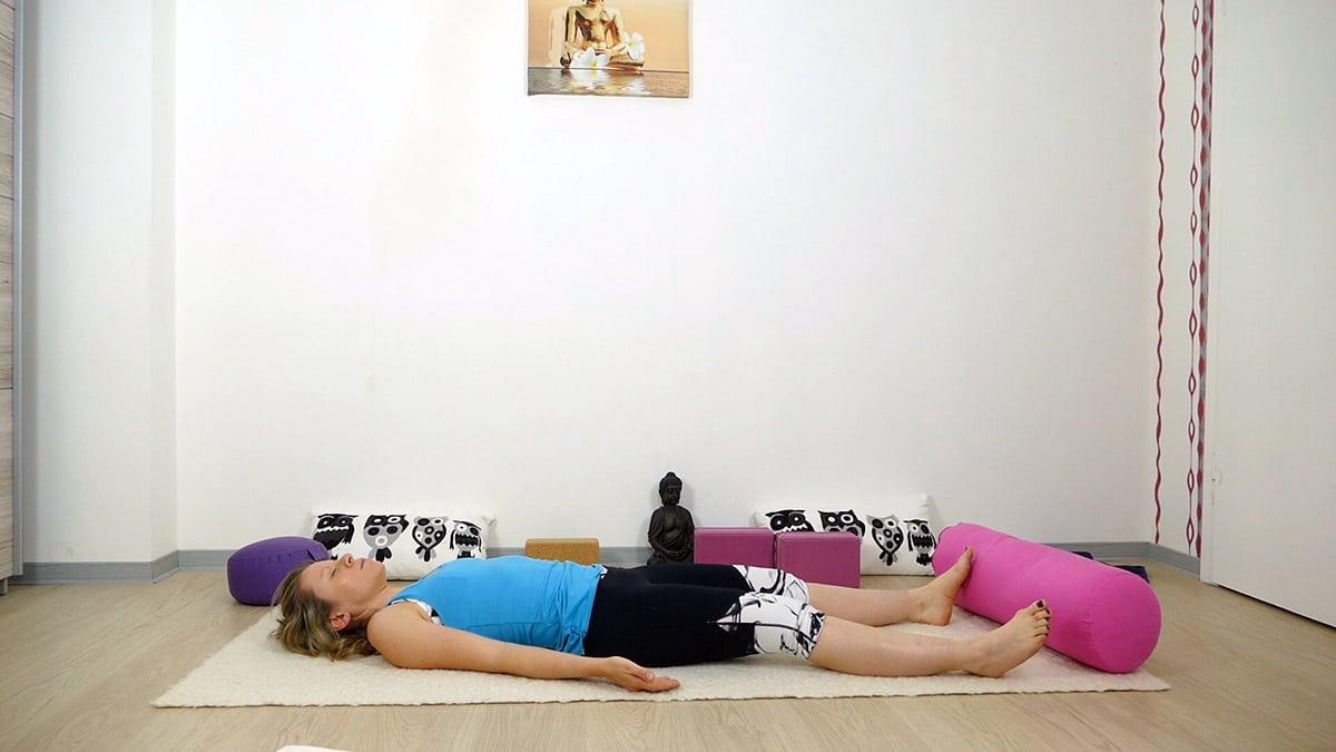 Yin Yoga bei Hitze für heiße Sommertage - Savasana
