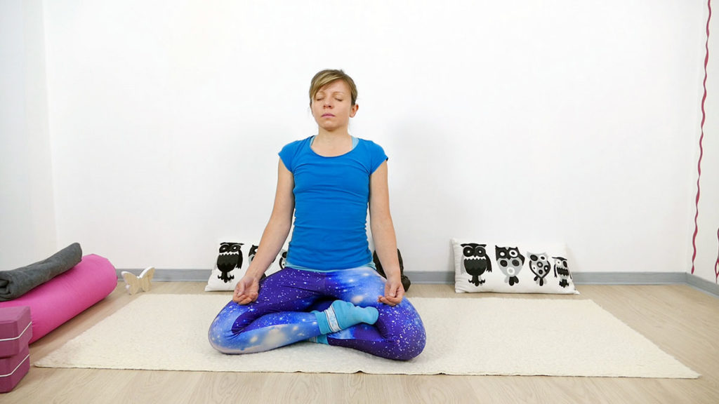 Yin Yoga Vishudda Chakra - sitzende Meditation