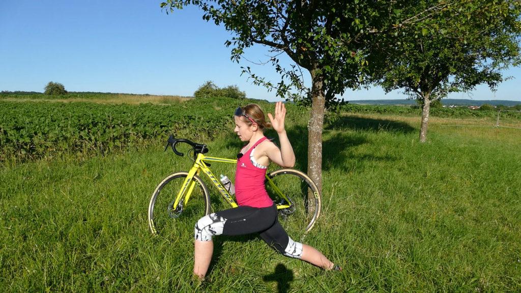 Yoga für Radfahrer Dehnen - Sprinter mit Kaktusarmen