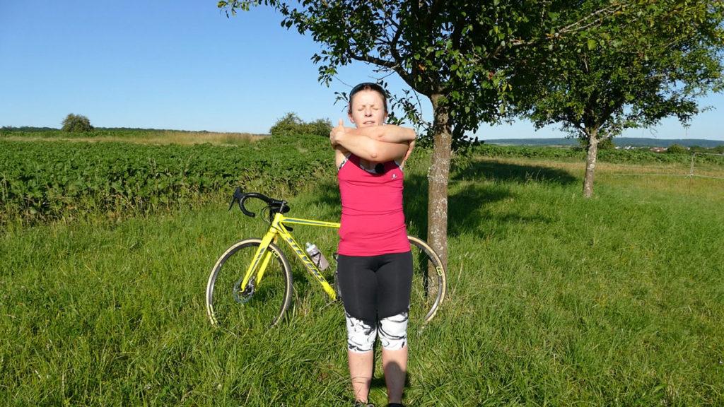 Yoga für Radfahrer Dehnen Umarmung