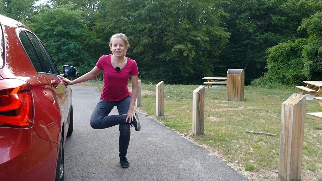 Yoga auf Reisen und langen Autofahrten - Piriformis Stretch